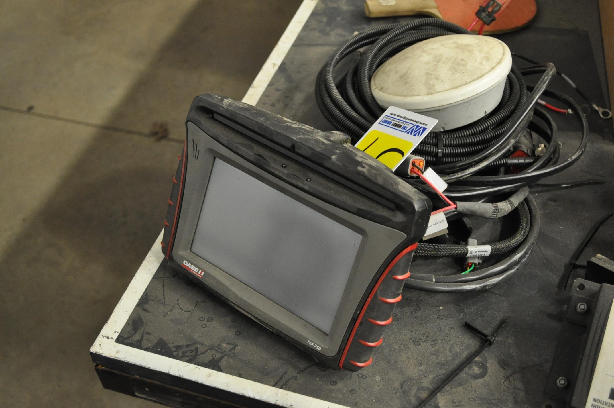 Case IH FM-750 GPS receiver, AG-25 antenna, RangePoint RTX, SN 5839571782