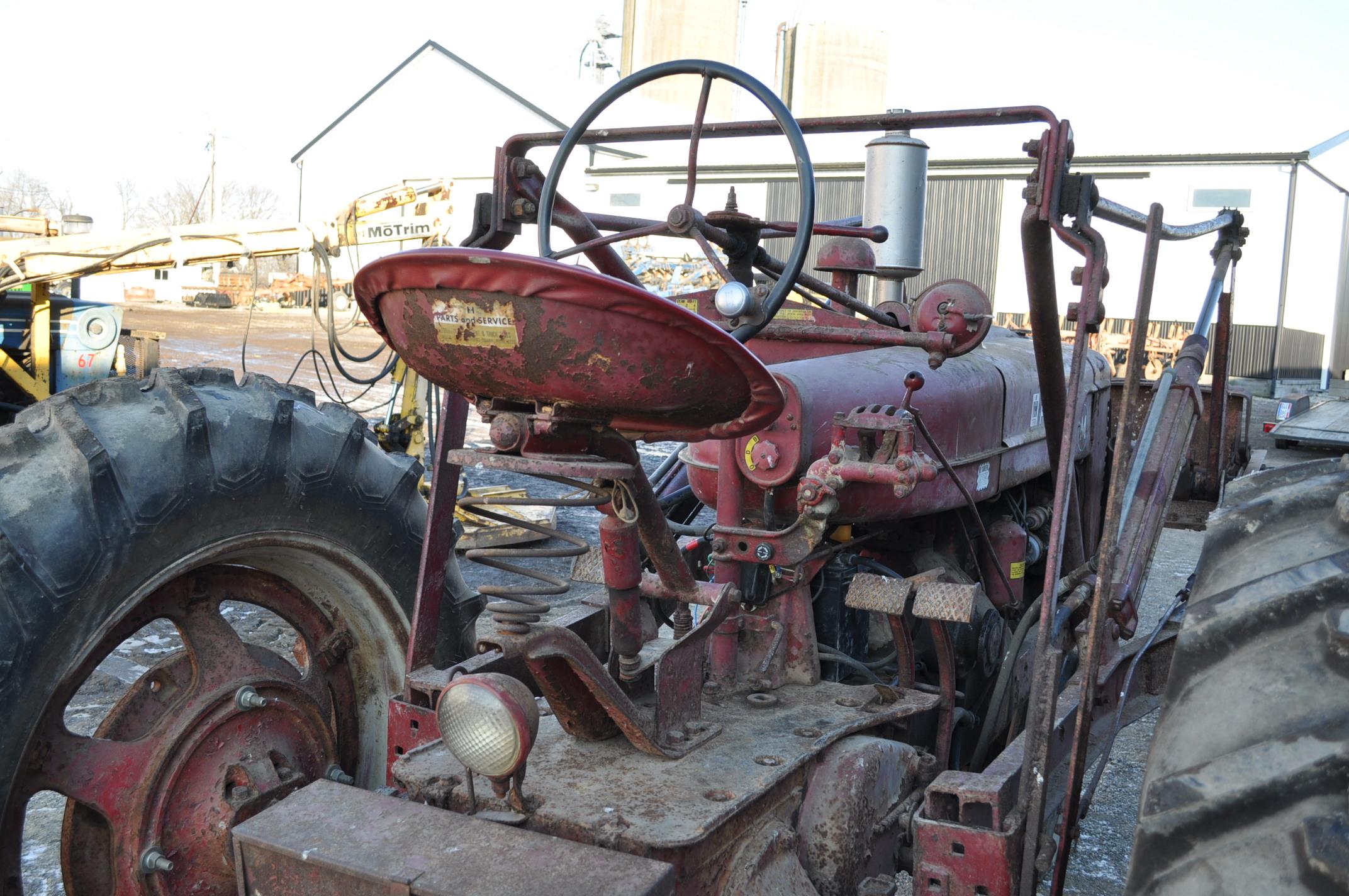 Farmall M tractor, 13.6-38 rear, narrow front, gasoline, loader, 540 PTO, SN FBK276 - Image 9 of 11