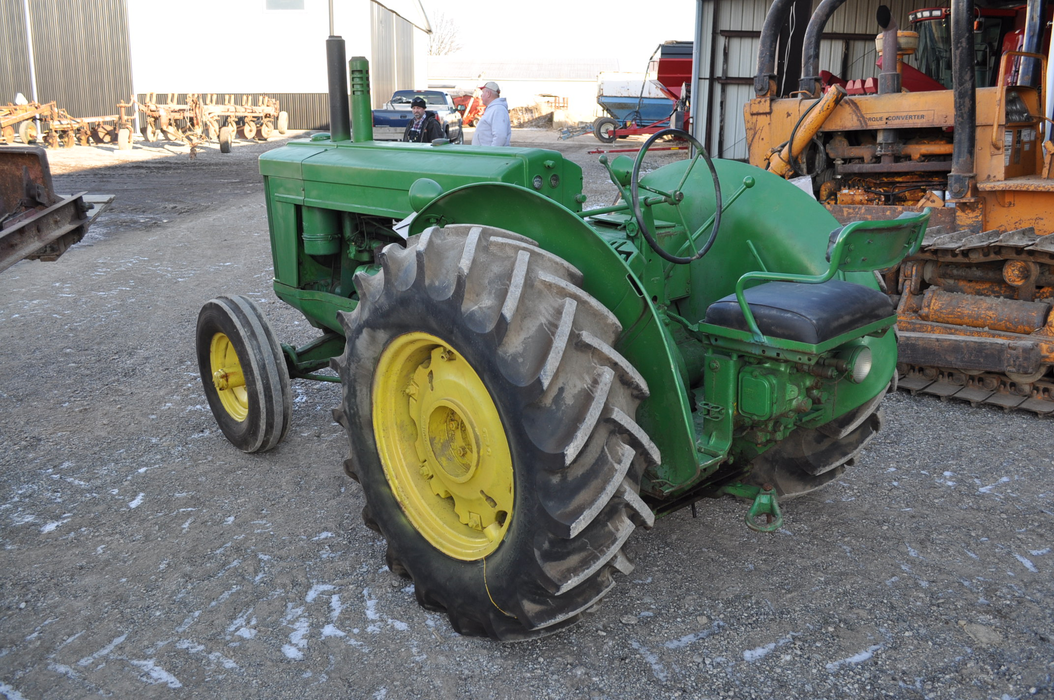 John Deere AR tractor, styled, 14.9-26 rear, 6.50-16 front, wide front, fenders, gasoline, single - Image 4 of 12