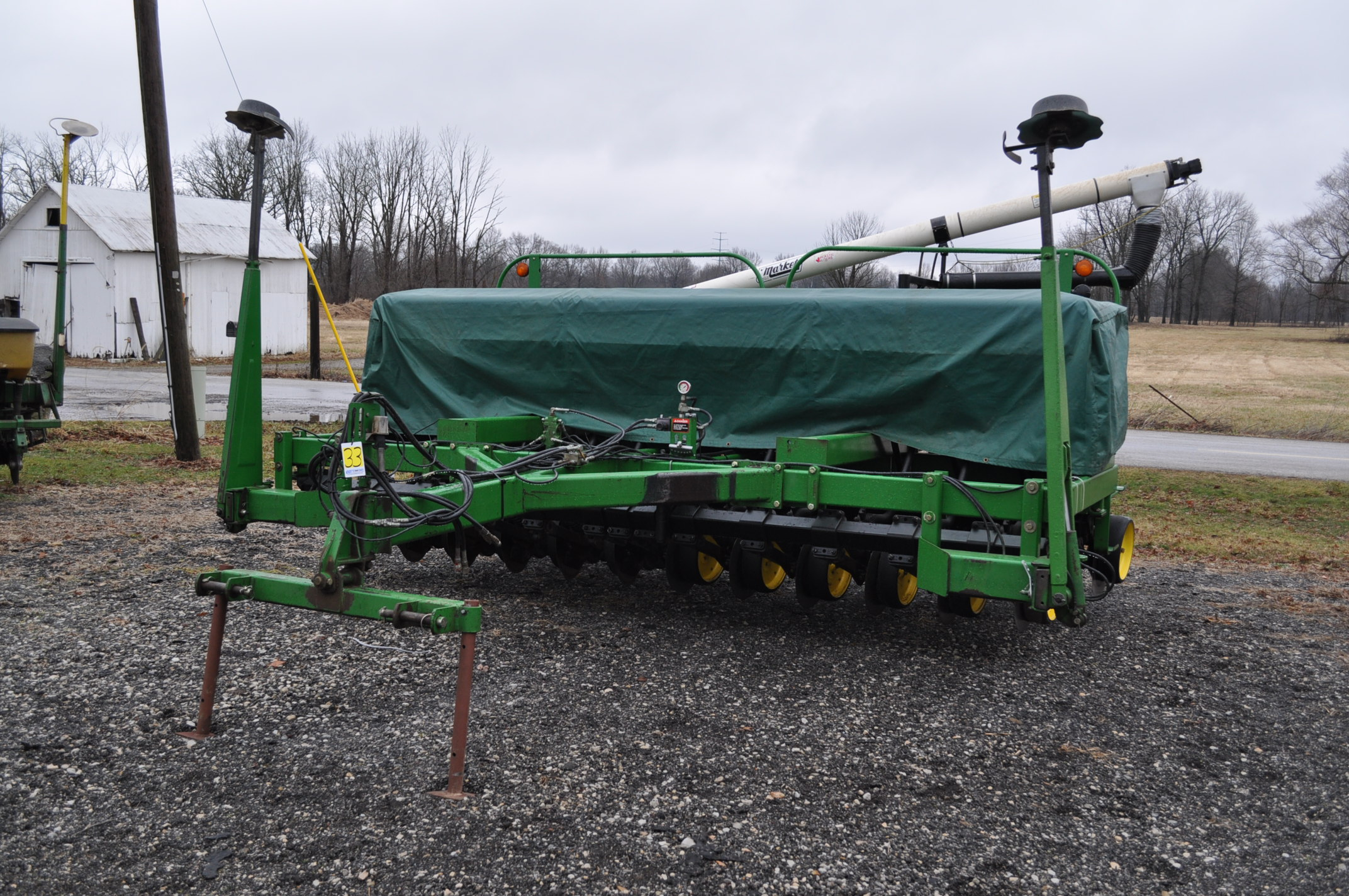 "15' John Deere 750 grain drill, 7 ½"" spacing, 2 pt hitch, markers, poly brush fill auger, new"