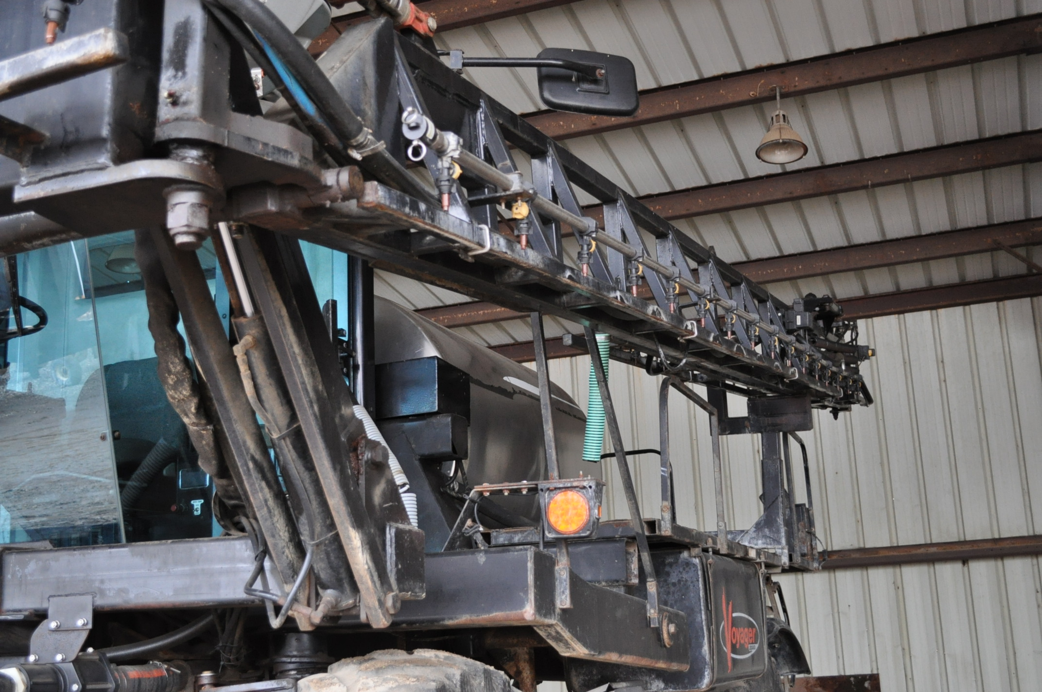 """Silver Wheels Voyager 2000 sprayer, 14.9R46 tires, hydrostatic, 90' boom, 15"""" nozzle spacing, 1000 - Image 12 of 21"""