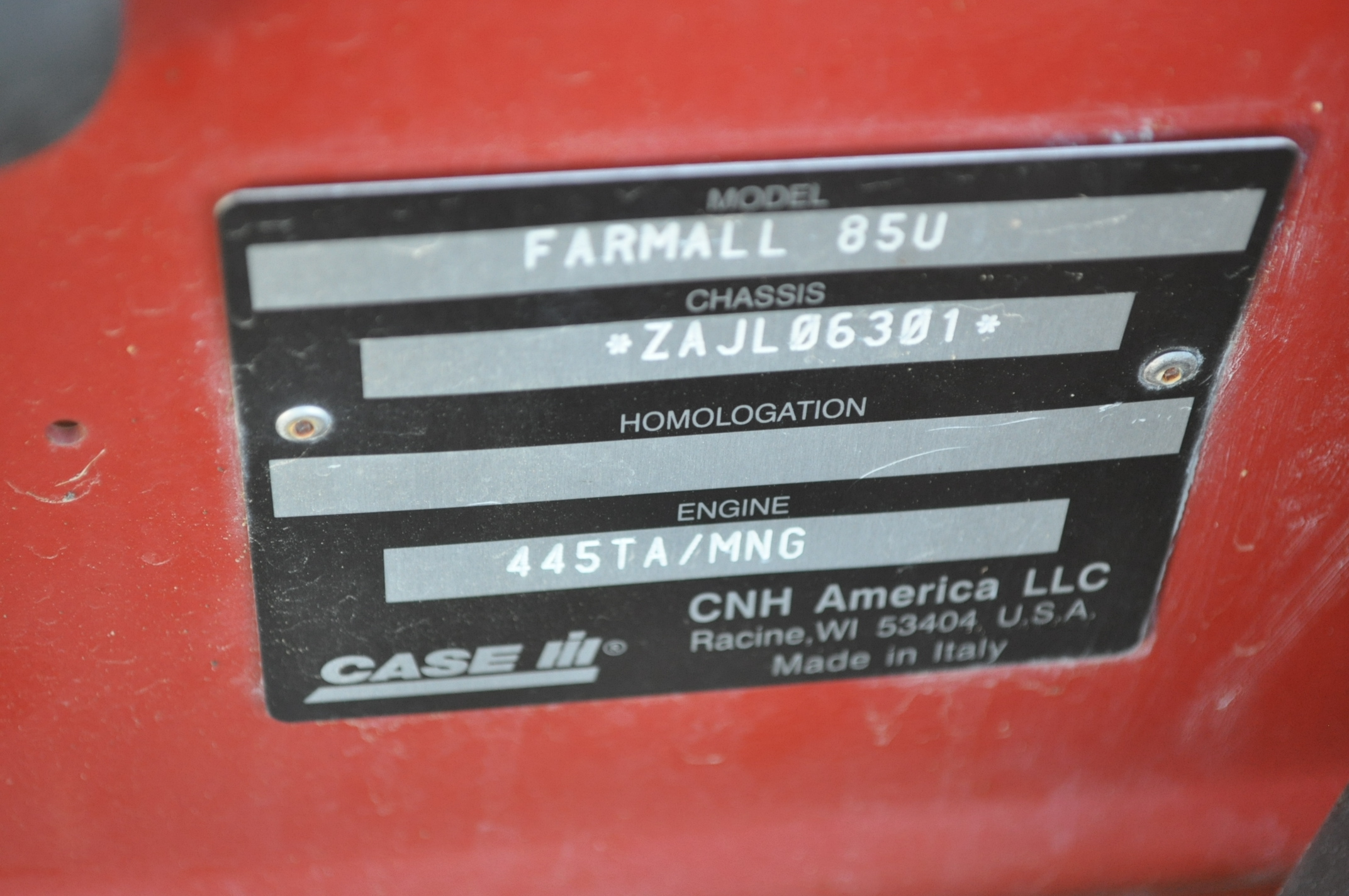 Case IH 85U Farmall MFWD tractor, 18.4R30 rear, 12.4R24 front, open station, mechanical shuttle - Image 16 of 16