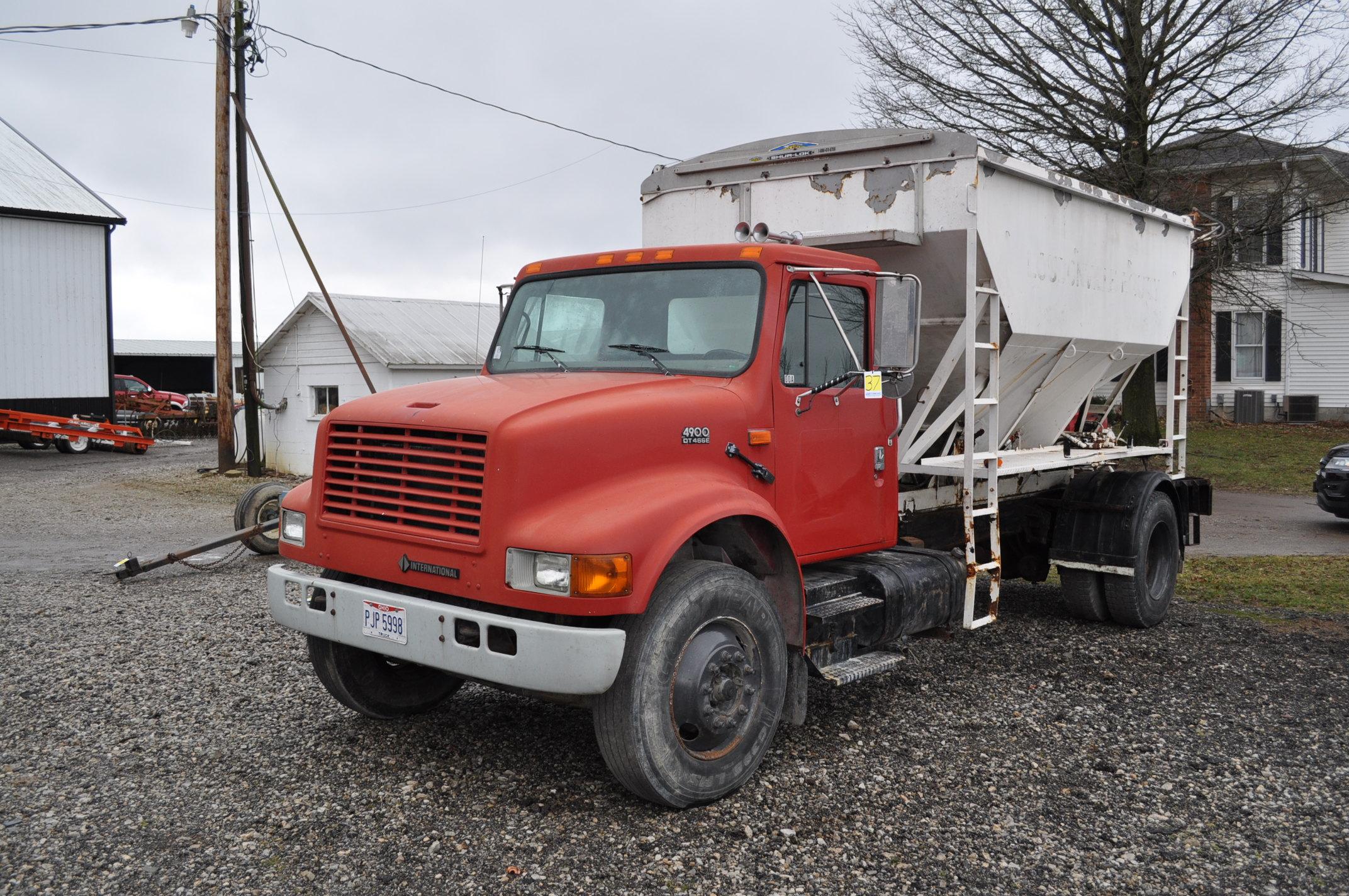 2000 International 4900 dry fertilizer tender truck, single axle, DT466E, Spicer 6 spd, spring ride,