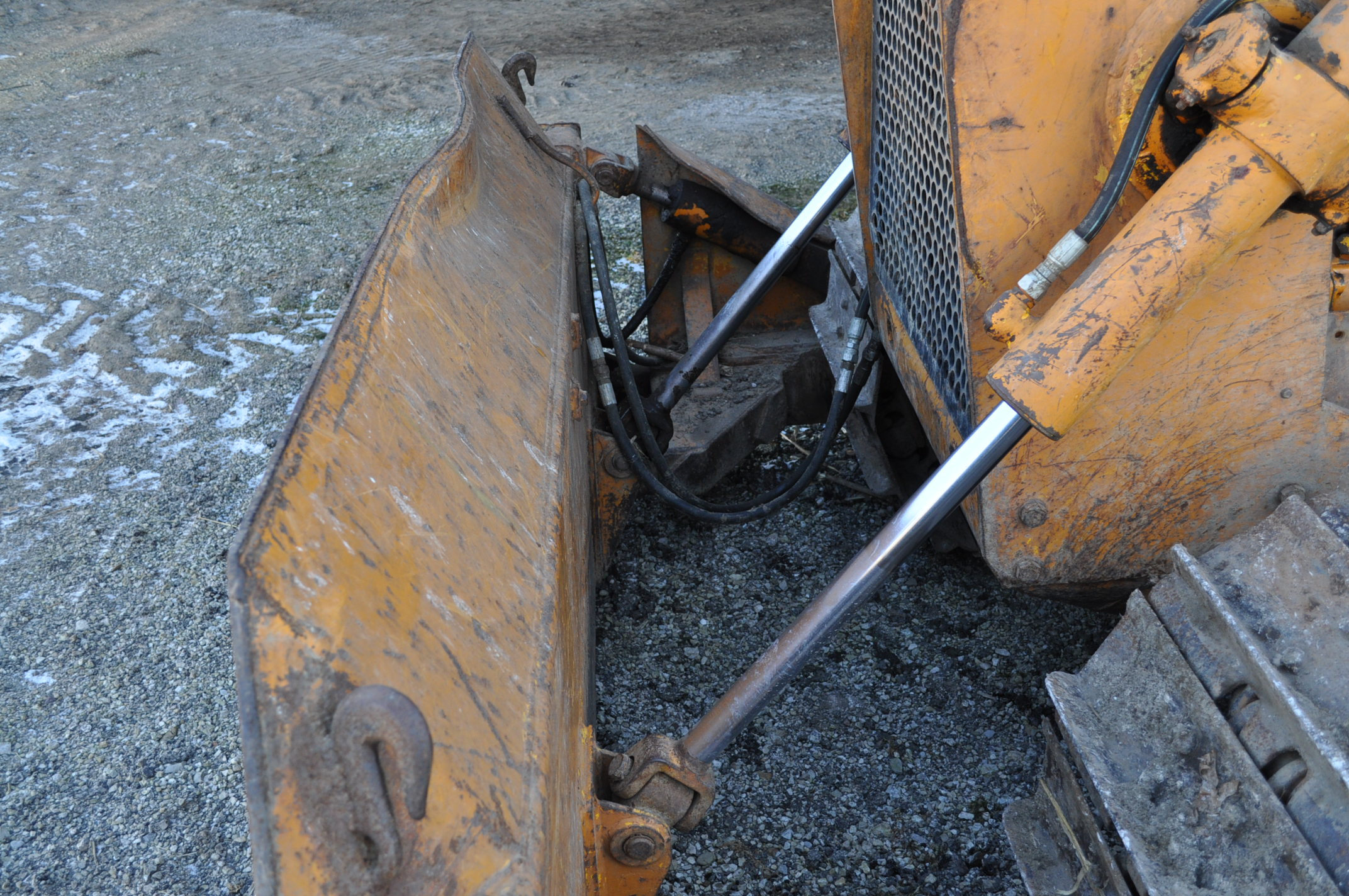 Case 1150 dozer, 8' 4 way blade, rear hitch, diesel, shows 1250 hrs, hrs unkown, SN missing - Image 7 of 11