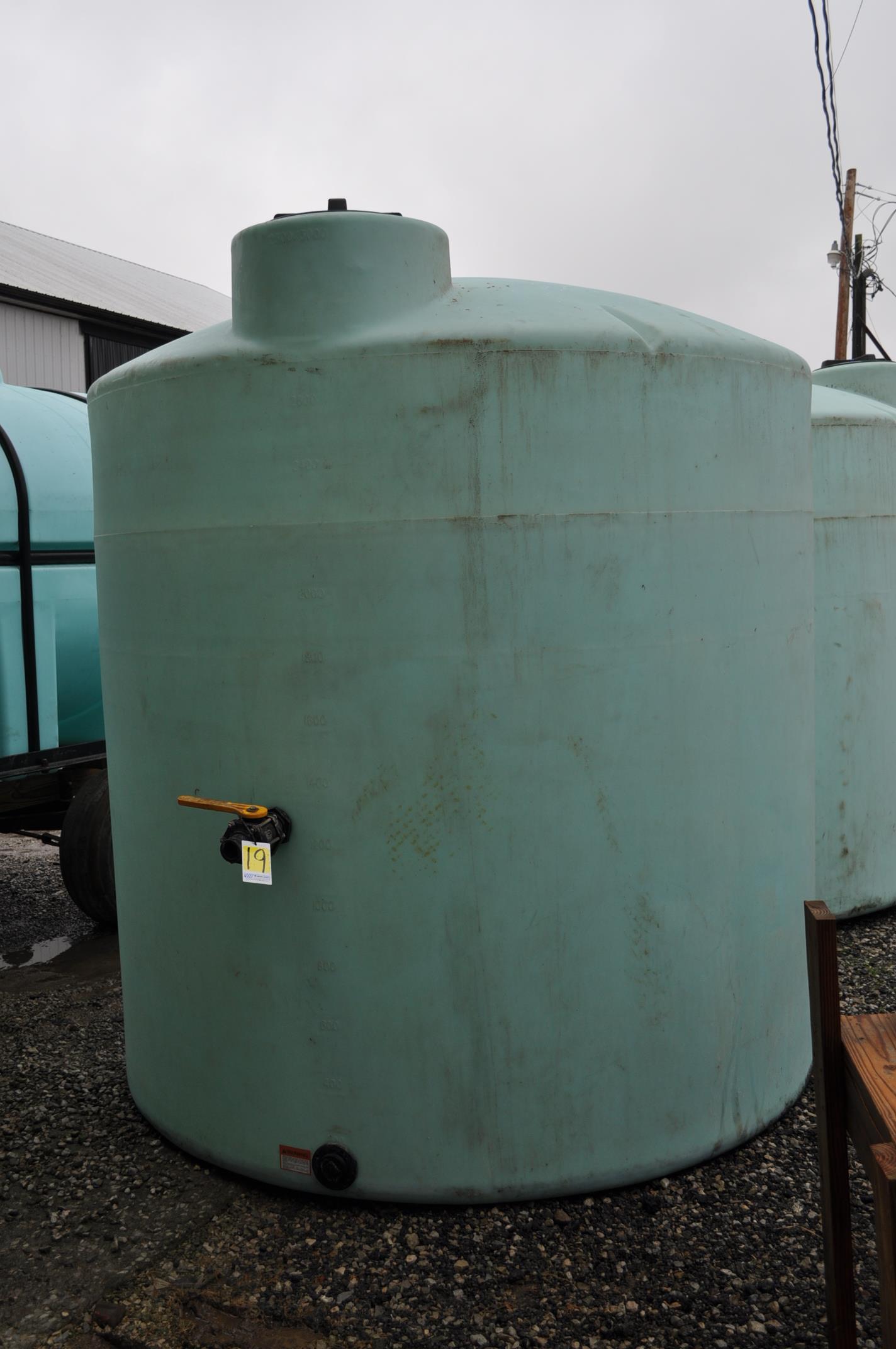 3000 gal poly flat bottom tank, always in barn