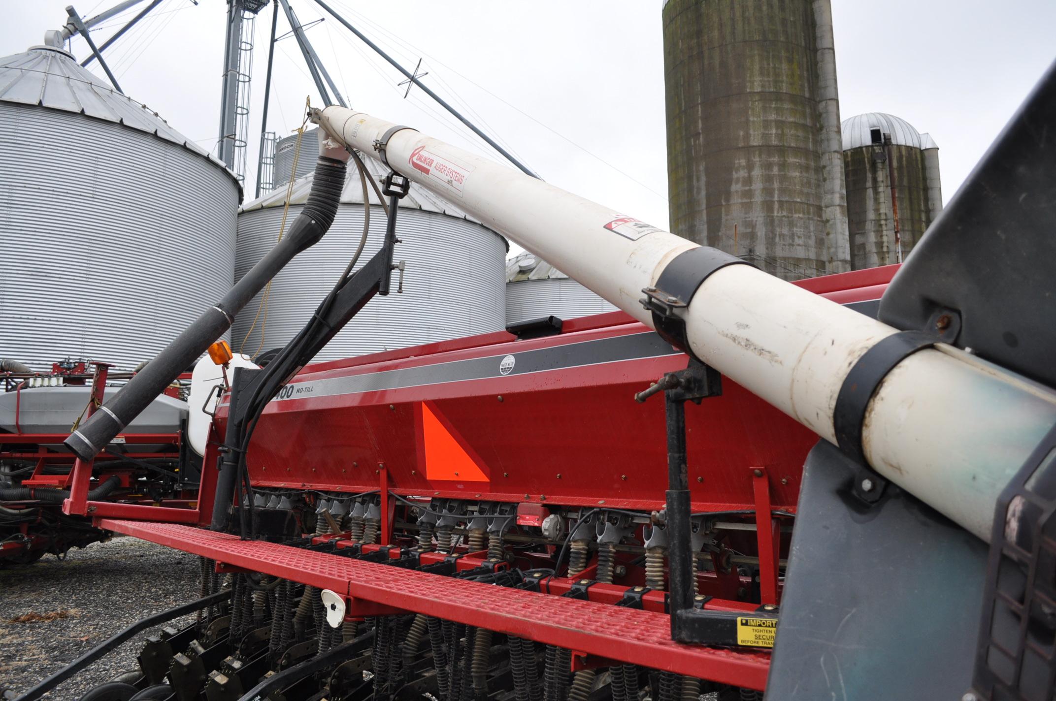 """Case IH 5400 grain drill, 3pt no-till caddie cart, 7 ½"""" spacing, 2 bar coil tine drag, Remlinger - Image 11 of 13"""