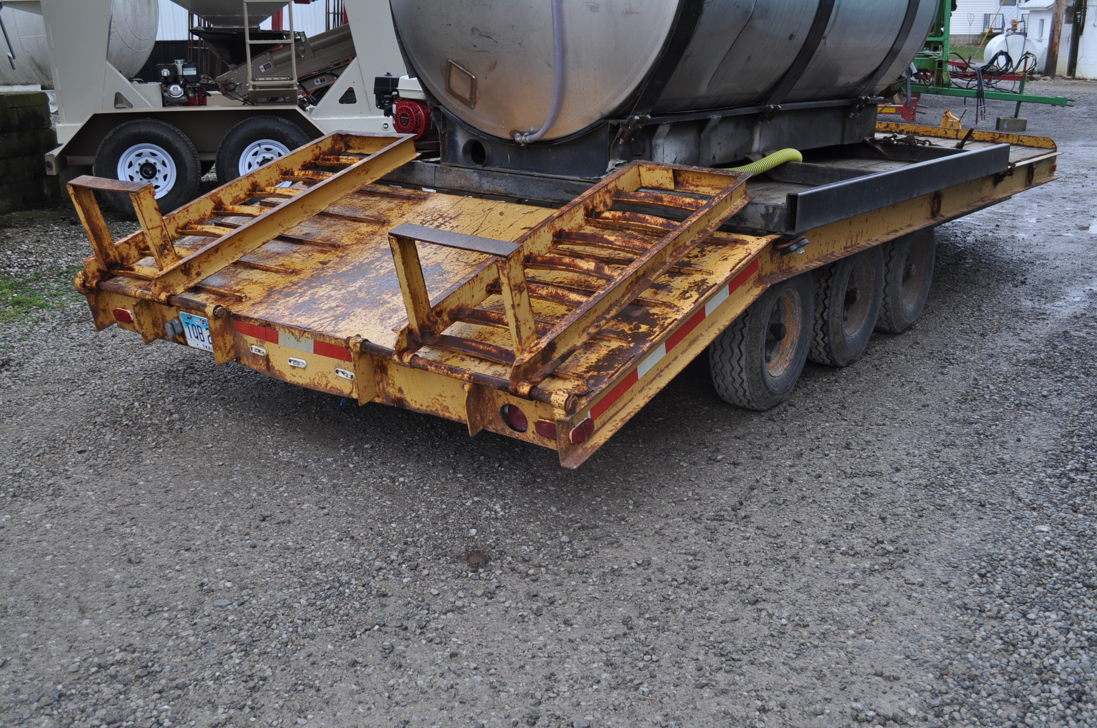 16'+5' homemade equipment trailer, 8' wide, tri axle, ramps, electric brakes, 8-14.5 tires, pintle - Image 3 of 6