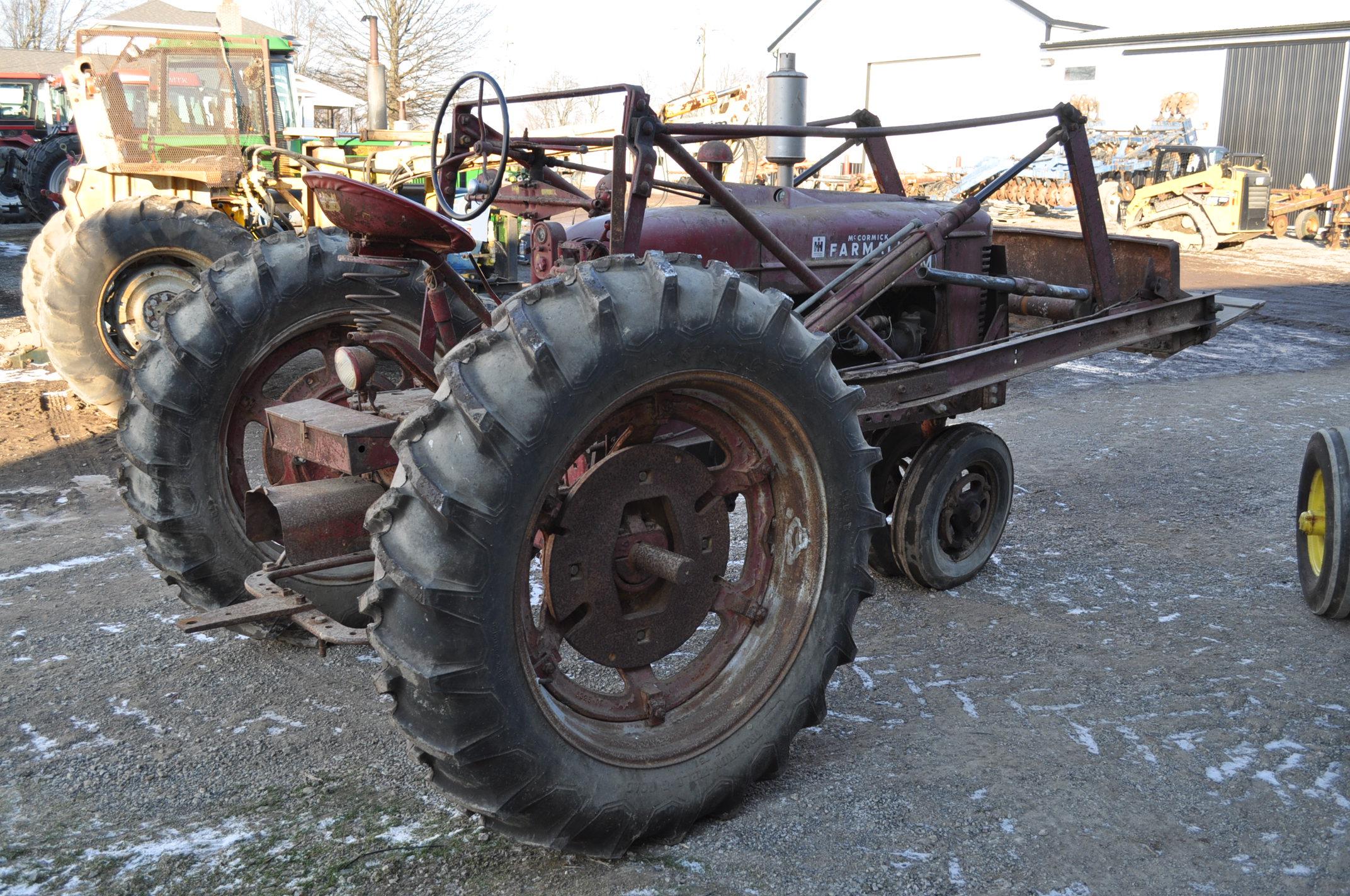 Farmall M tractor, 13.6-38 rear, narrow front, gasoline, loader, 540 PTO, SN FBK276 - Image 3 of 11
