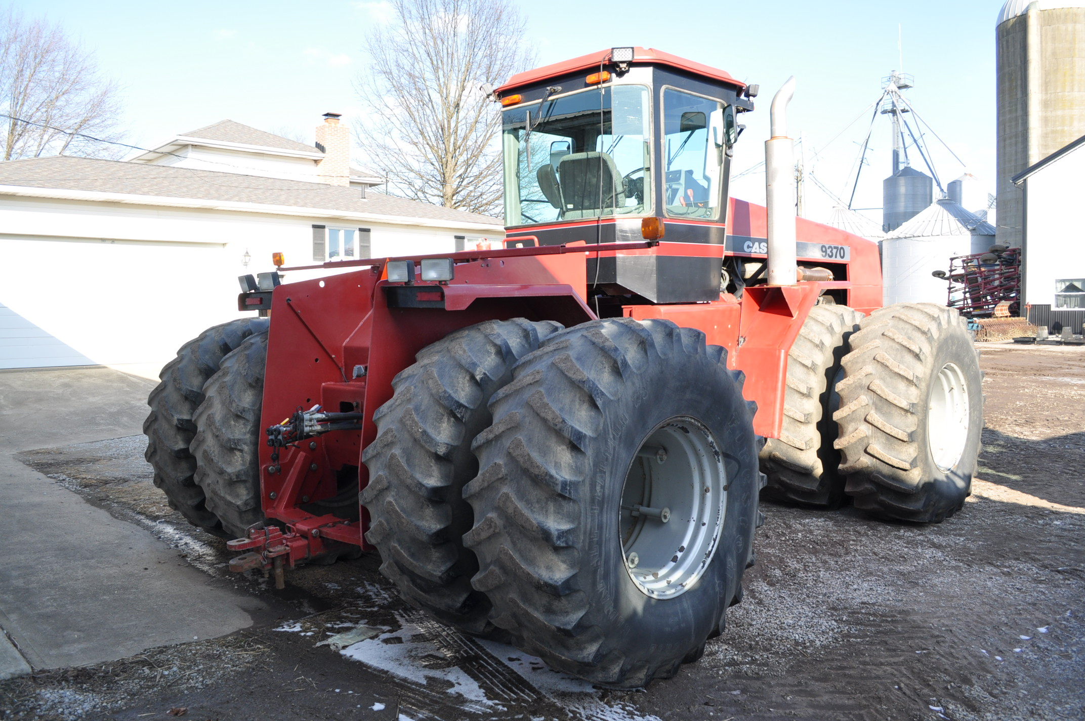 Case IH 9370 4WD tractor, 24.5R32 duals, power shift, skip shift, 4 hyd remotes, 4622 hrs, front - Image 4 of 23