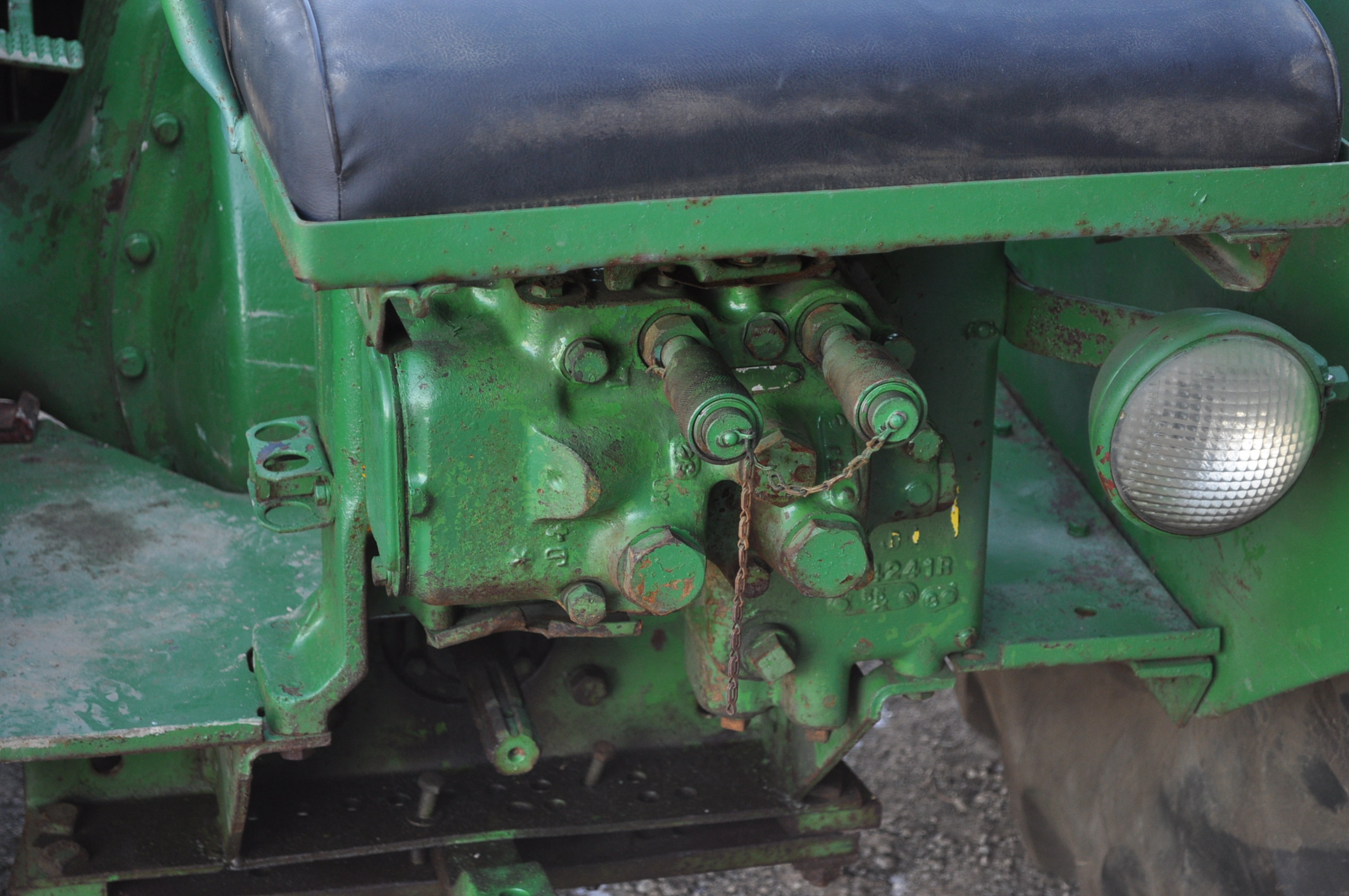 John Deere AR tractor, styled, 14.9-26 rear, 6.50-16 front, wide front, fenders, gasoline, single - Image 6 of 12