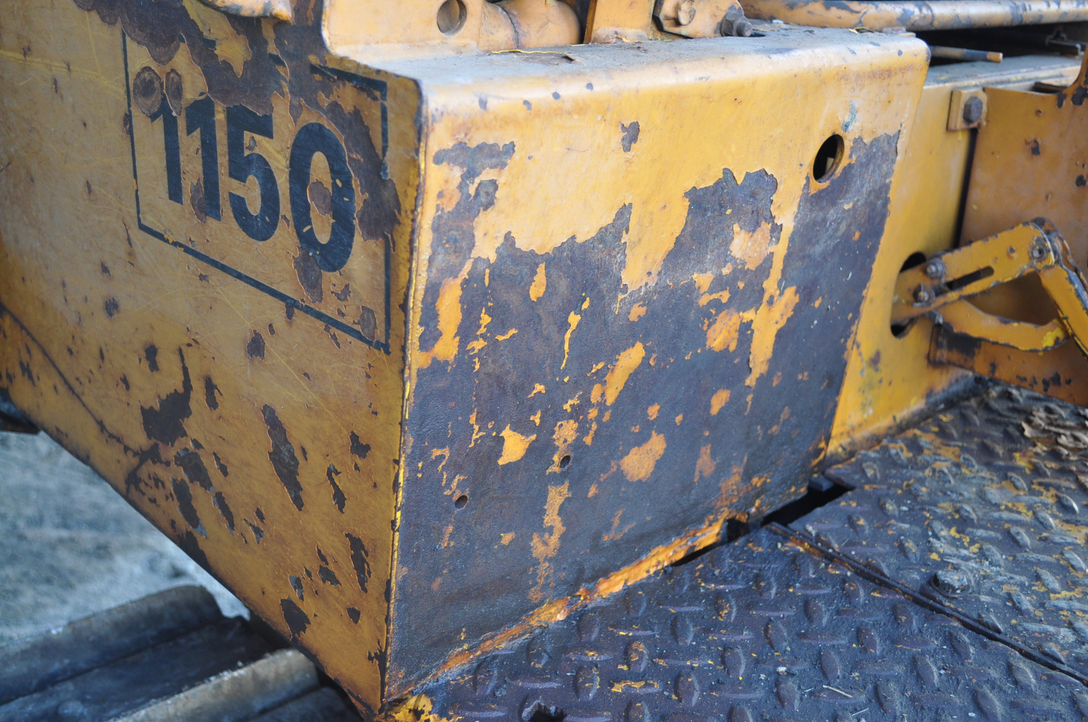 Case 1150 dozer, 8' 4 way blade, rear hitch, diesel, shows 1250 hrs, hrs unkown, SN missing - Image 11 of 11