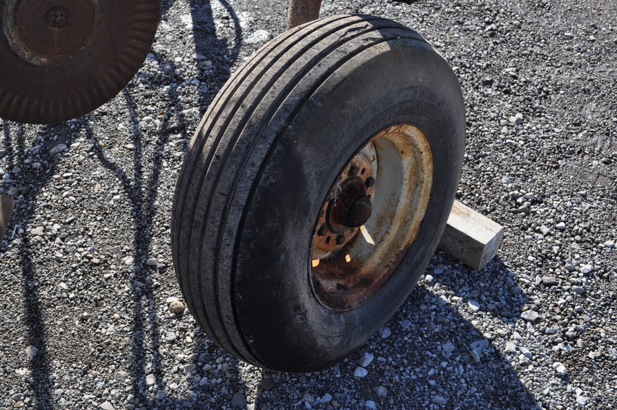 International 700 onland moldboard plow, 7 btm, auto reset trip - Image 8 of 16