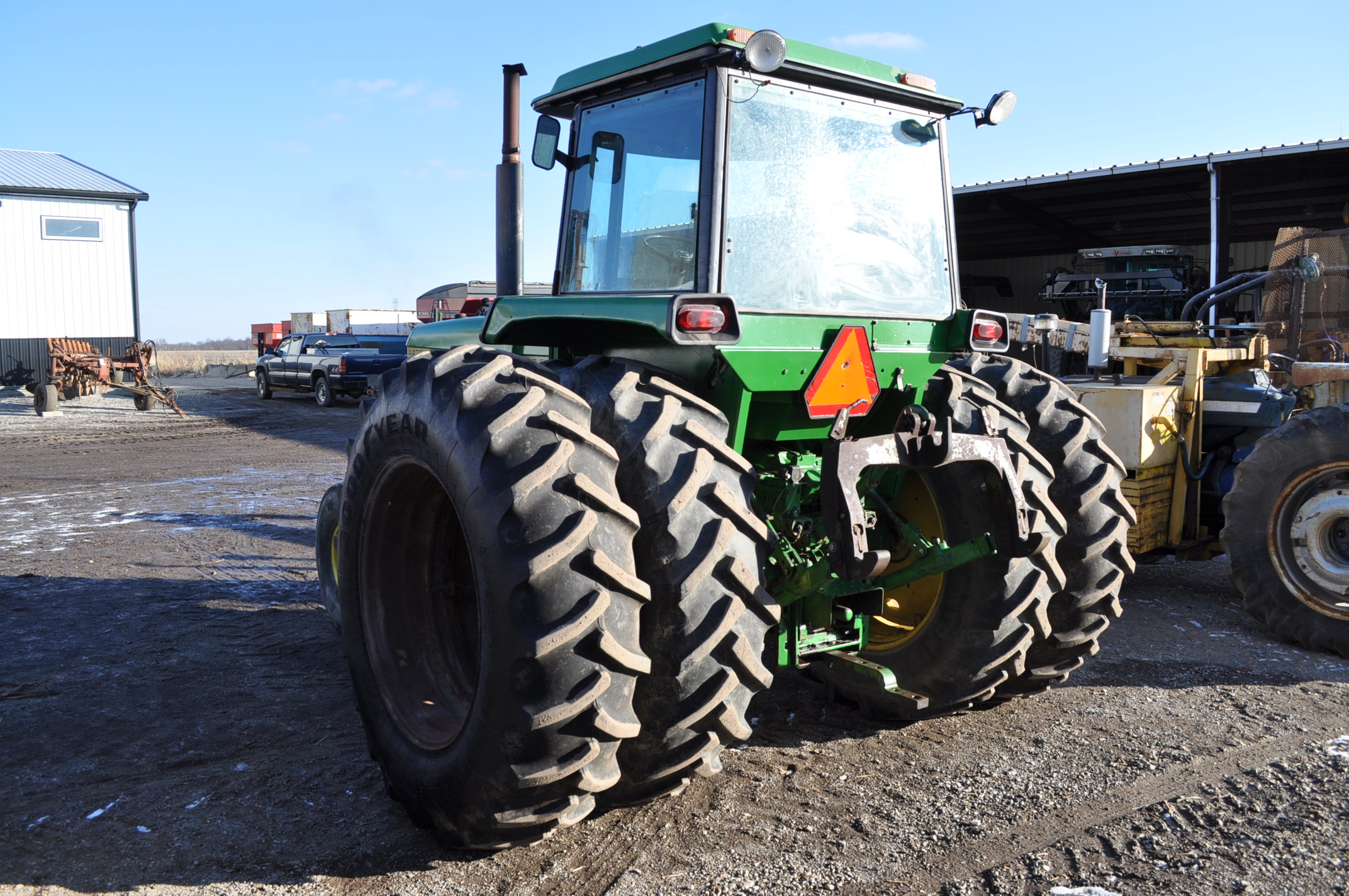 John Deere 4430 tractor, C/H/A, 18.4-38 duals, 11.00-16 front, front weights, Quad range, 2 hyd, 3 - Image 3 of 18