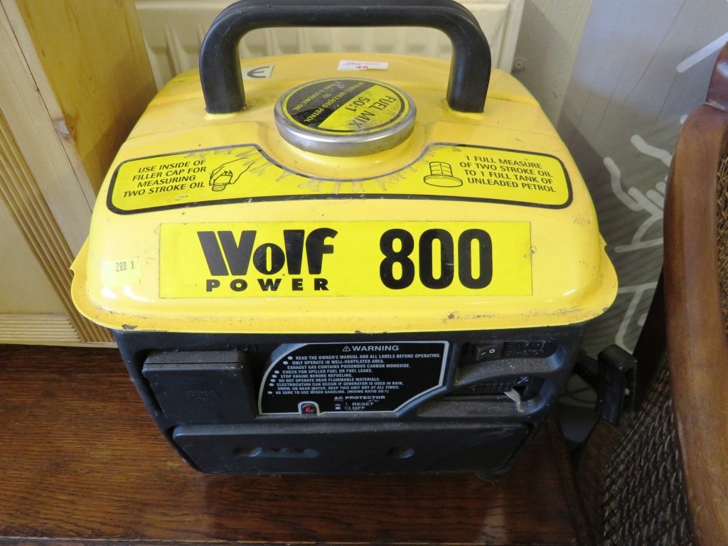 Lot 45 - WOLF POWER 800 TWO STROKE GENERATOR