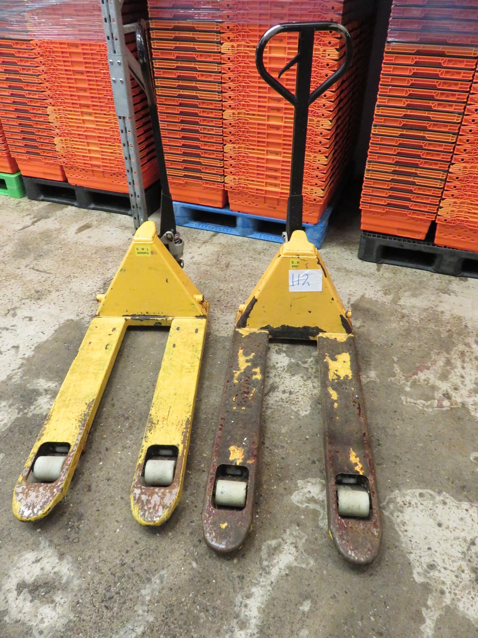 Lot 112 - 2 x Pallet Trucks. 2000kg. Lift Out £15