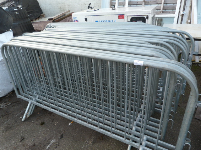 Lot 26 - 20 Fencing Barriers 230 x 108cm
