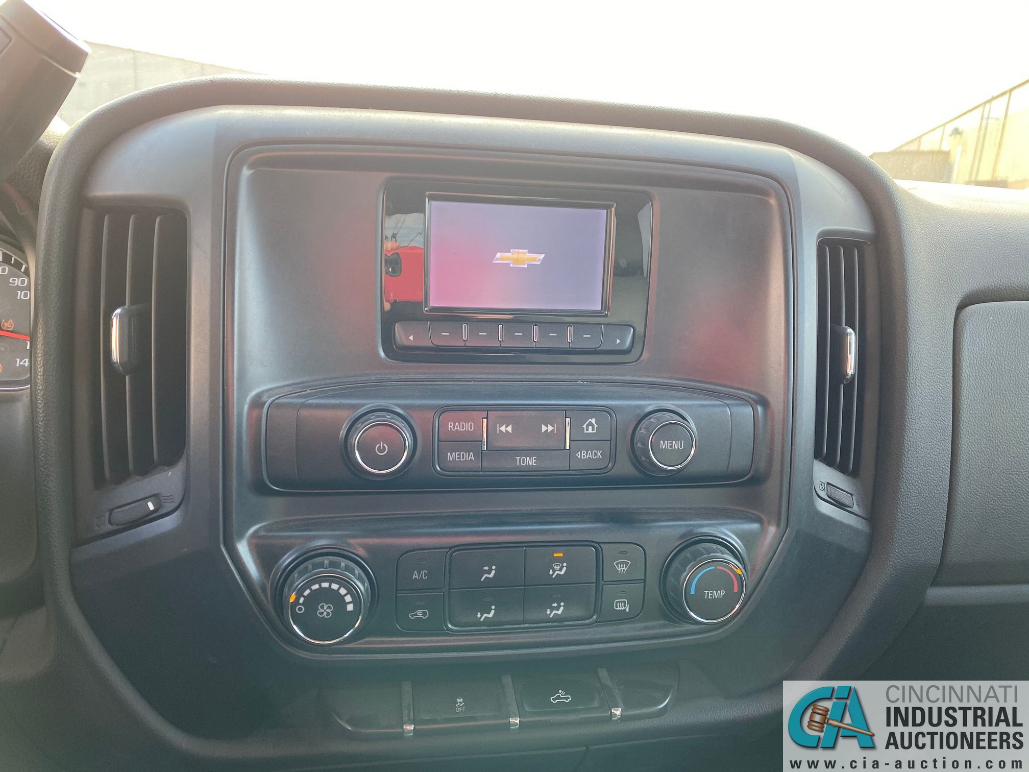 2014 CHEVROLET SILVERADO 1500 PICK UP TRUCK; VIN# 1GCRCPEH1EZ239274, 67,252 MILES SHOWING, 4.3 L, - Image 8 of 13
