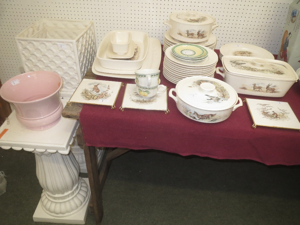 Lot 1   Villeroy U0026 Boch Decor Fontainbleau Part Dinner Service, 5 French  Garden Fleurence