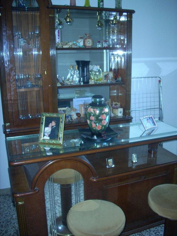 N 3 es n 1266 14 ivg n mobiletto in legno con for T roc specchio