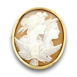 Broche-colgante camafeo pps s XX con dos bustos en concha bicolor ; marco de oro de 18KMedidas:4,7 x