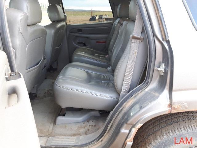 2005 GMC Yukon 4 x 4 Denali SUV - Image 13 of 15