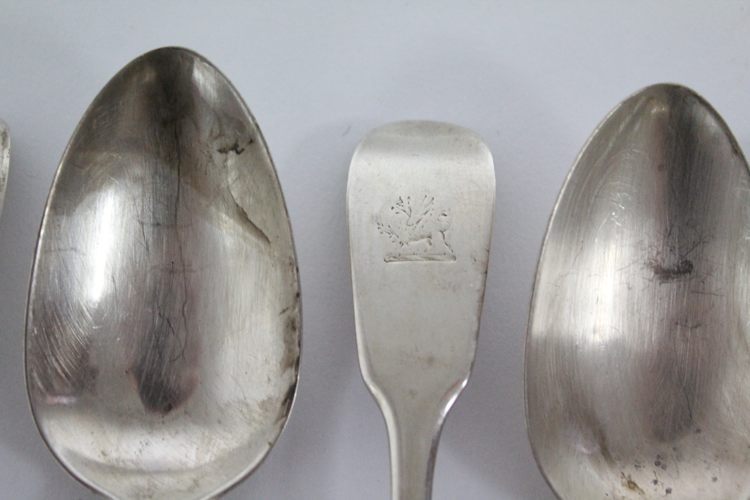 Six William IV Fiddle pattern dessert spoons, London 1831 by William Chawner II. (8½ oz). - Image 2 of 3