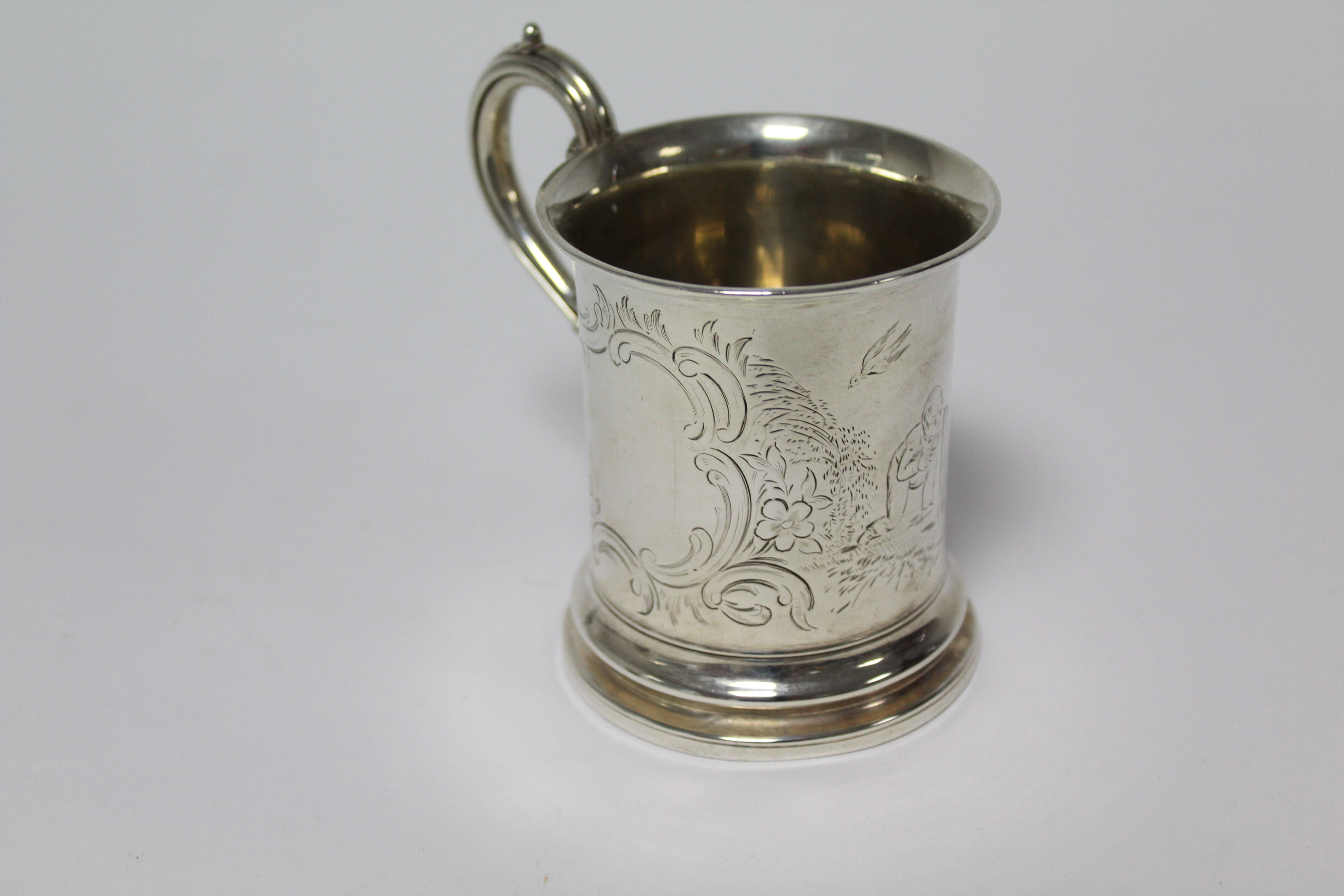 A Victorian christening mug of cylindrical form, with scroll handle & engraved figure scene of two - Image 4 of 6