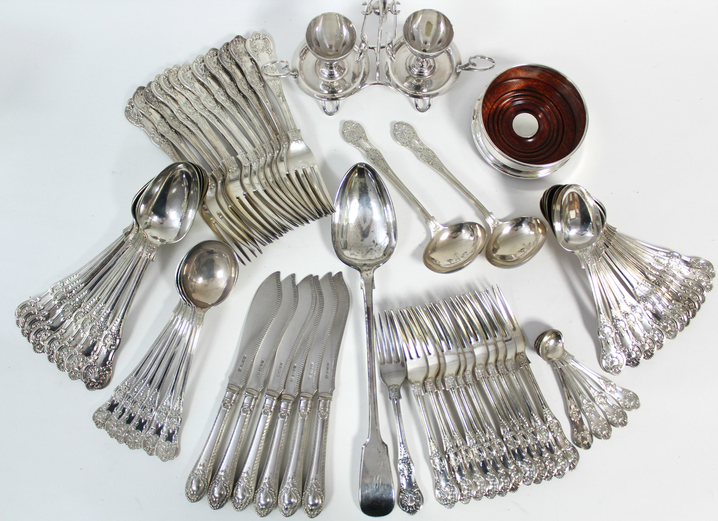 A part service of Queen's pattern flatware, comprising: eight table spoons, twelve table forks, - Image 2 of 4