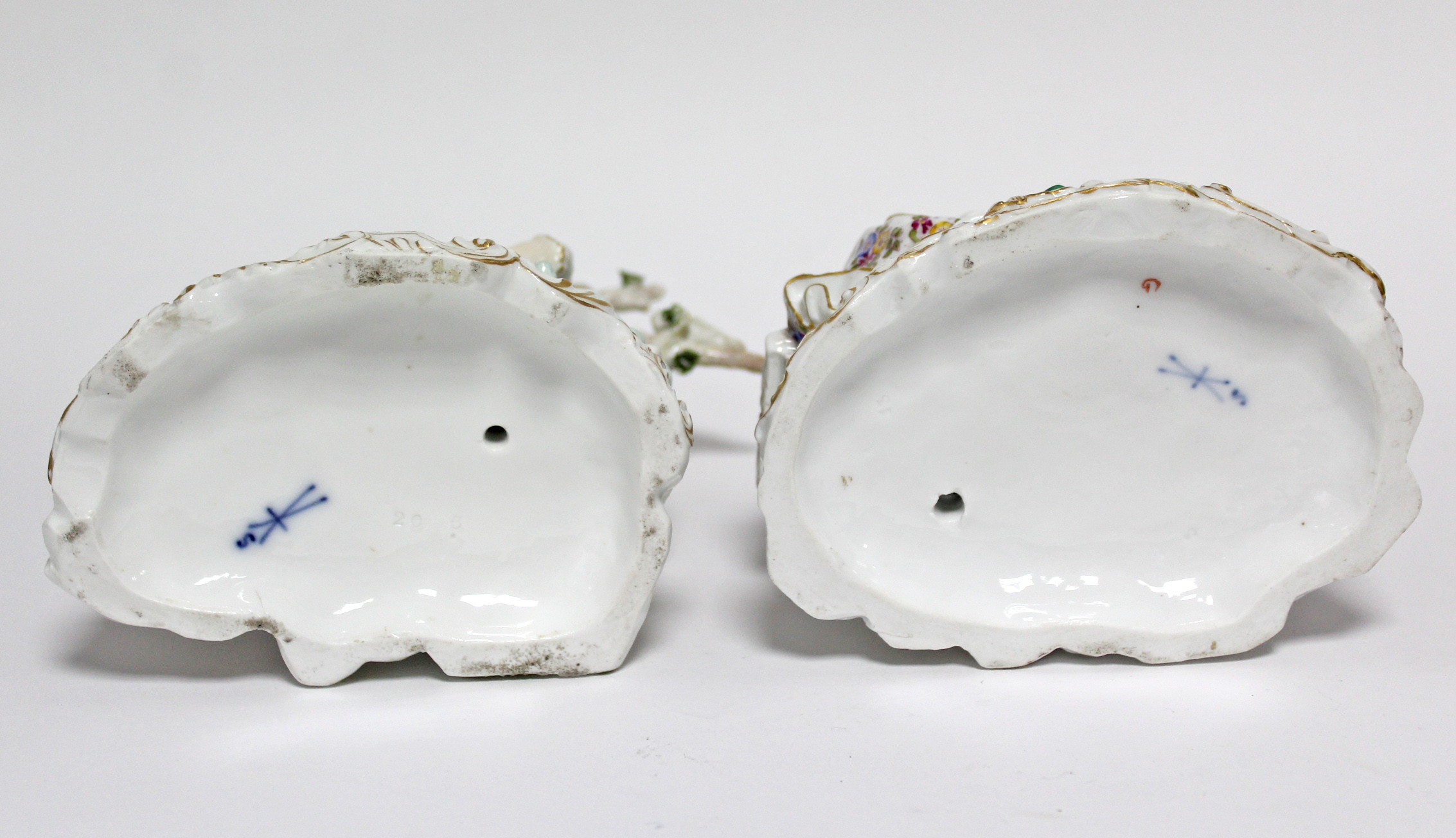 A pair of Samson porcelain romantic male & female figure groups, each dressed in colourful 18th - Image 5 of 5