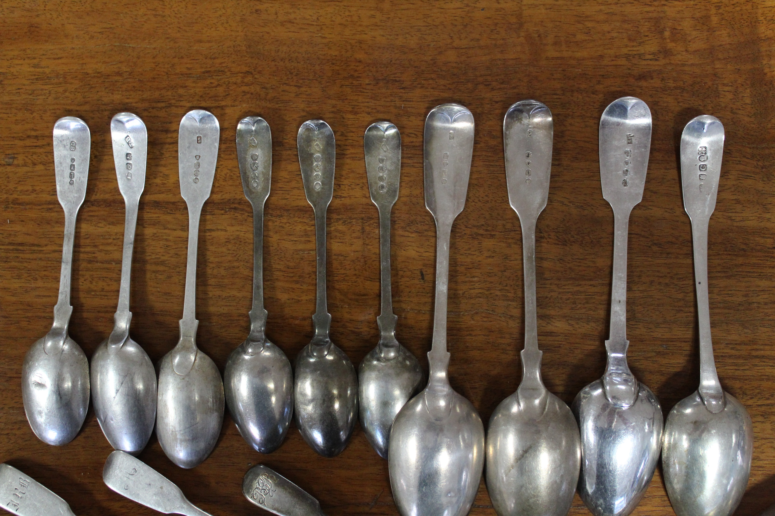 Two pairs of Victorian silver Fiddle pattern sugar tongs; four Georgian & Victorian Fiddle pattern - Image 5 of 6
