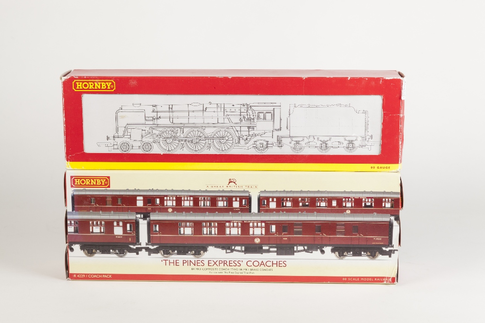 Lot 374 - HORNBY BOXED 00 GAUGE 4-6-2 BRITANNIC CLASS LOCOMOTIVE AND TENDER 'FIRTH OF CLYDE' No 70050 in B.