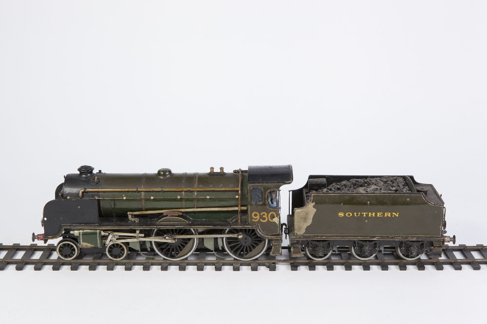 Lot 408 - EARLY POST WAR 'O' GAUGE HAND BUILT ELECTRIC THREE TAIL PAINTED BRASS AND METAL MODEL OF A 4-4-0