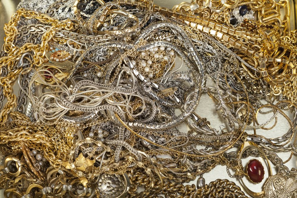 Lot 366 - QUANTITY OF COSTUME JEWELLERY including mainly necklaces, some with pendants (the contents of a
