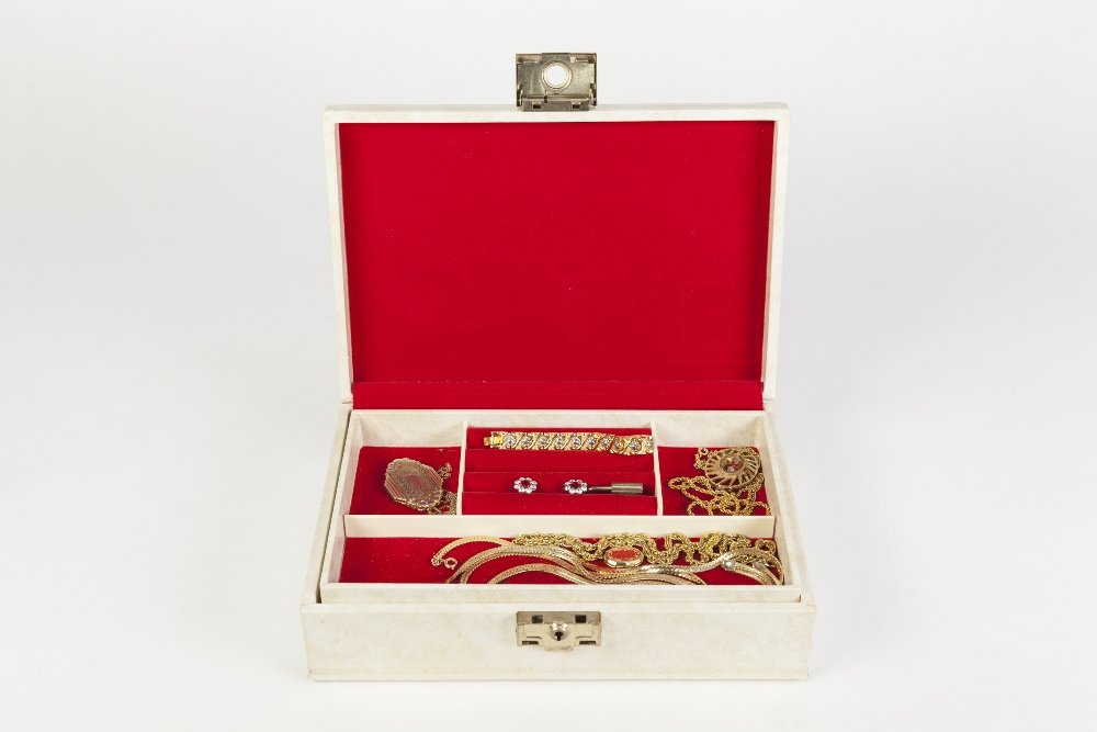 Lot 364 - WHITE JEWELLERY BOX WITH A FITTED LIFT-OUT TRAY CONTAINING A QUANTITY OF COSTUME JEWELLERY including