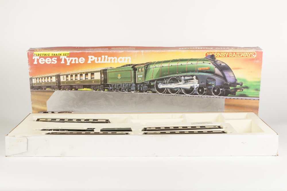 Lot 383 - HORNBY RAILWAYS 00 GAUGE BOXED PART TRAIN SET 'TEES TYNE PULLMAN' incomplete and now only