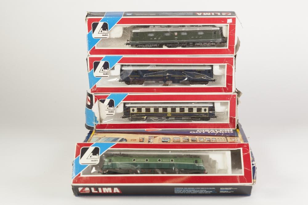 Lot 388 - LIMA MODELS BOXED 00 GAUGE GOLDEN SERIES - TRANS EUROPEAN EXPRESS high speed mainline unit including
