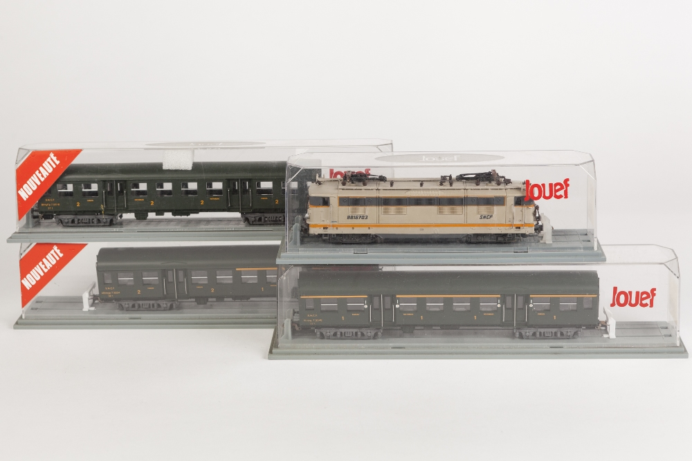 Lot 396 - JOUEF FRANCE BOXED H0 GAUGE 88 CLASS SNCF ELECTRIC LOCOMOTIVE with twin pantographs in two tine grey