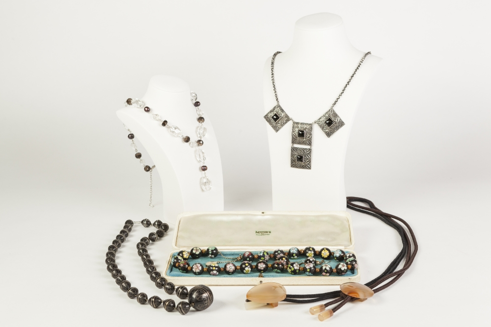 Lot 339 - SINGLE STRAND NECKLACE OF BLACK AND FLORAL MILLEFIORI GLASS UNIFORM ROUND BEADS and the pair of