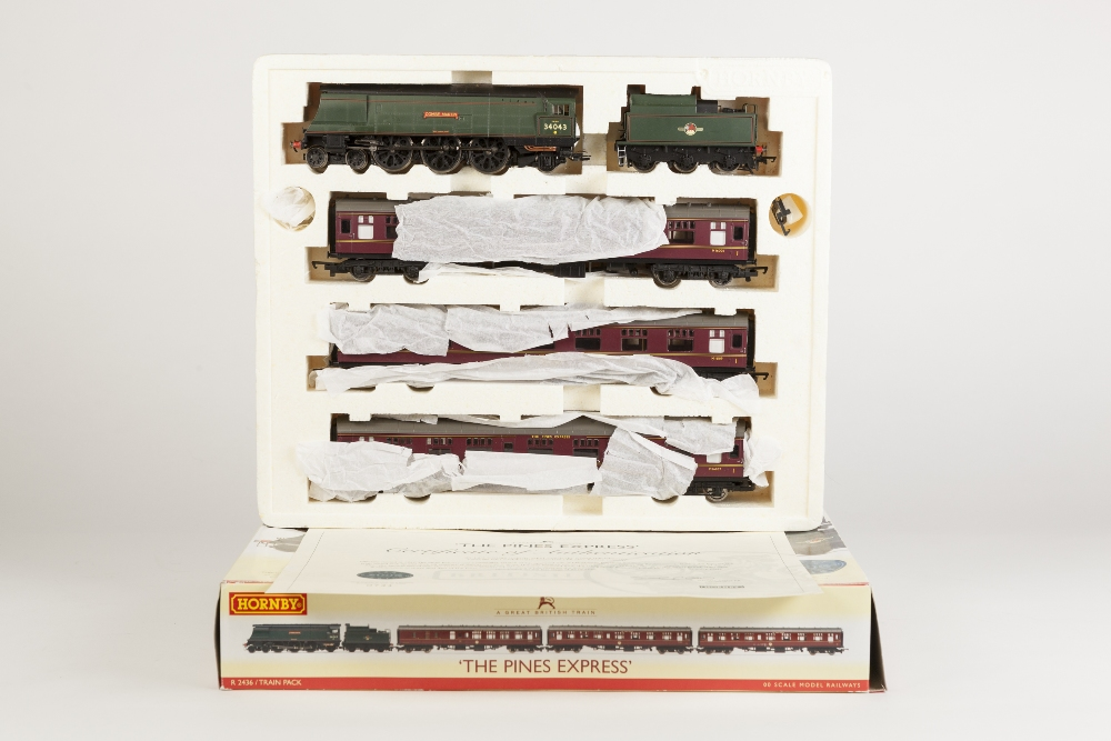 Lot 380 - HORNBY 00 GAUGE LIMITED EDITION TRAM PACK 'THE PINES EXPRESS' containing West Country class 4-6-2