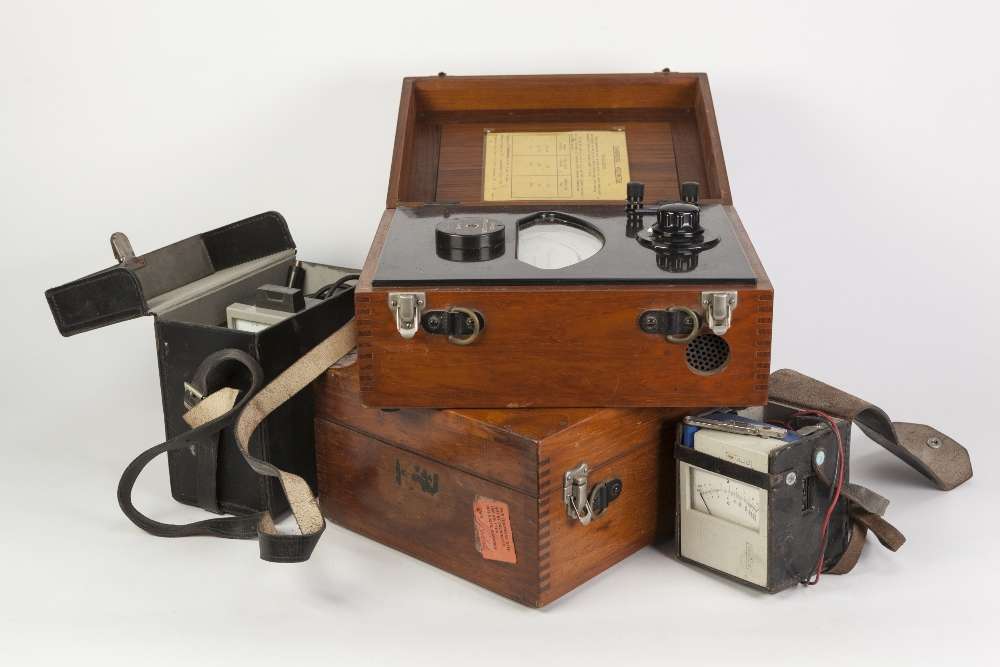 Lot 278 - TWO MAHOGANY CASED CAMBRIDGE INSTRUMENT CO., 'MILLIAMETERS' TO MEASURE ELECTRIC CURRENTS, each box