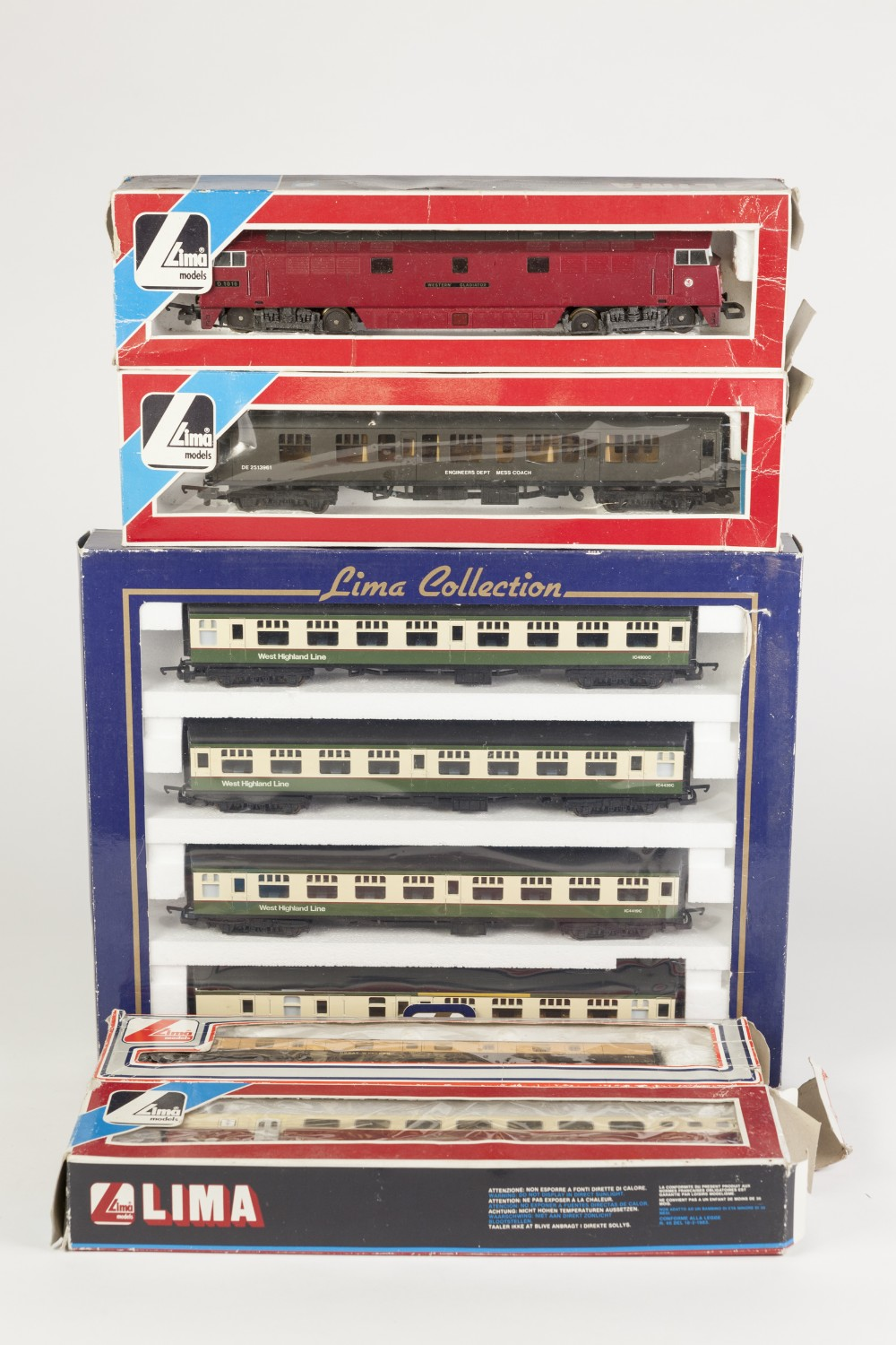 Lot 389 - LIMA COLLECTION BOXED 00 GAUGE RAKE OF FOUR WEST HIGHLAND LINE PASSENGER COACHES in green and