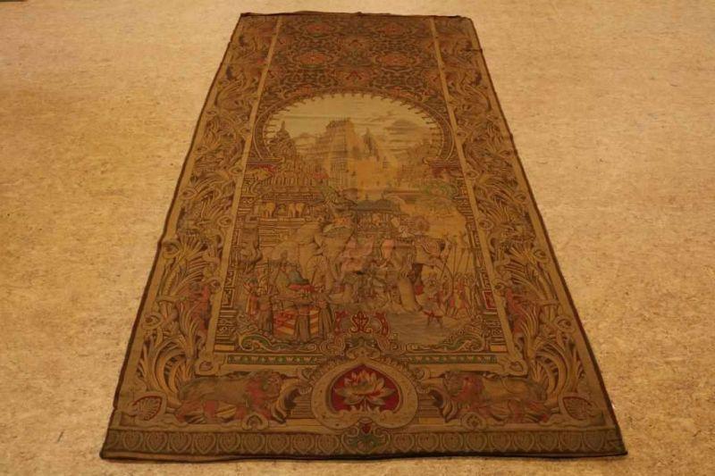 Gobelin met voorstelling van optocht van de Sultan, 290 x 140 cm.