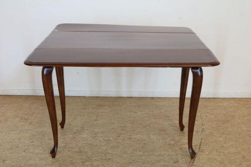 Mahonie gateleg tafel, Engeland 19e eeuw, h. 76, br. 105, d. 105 cm.