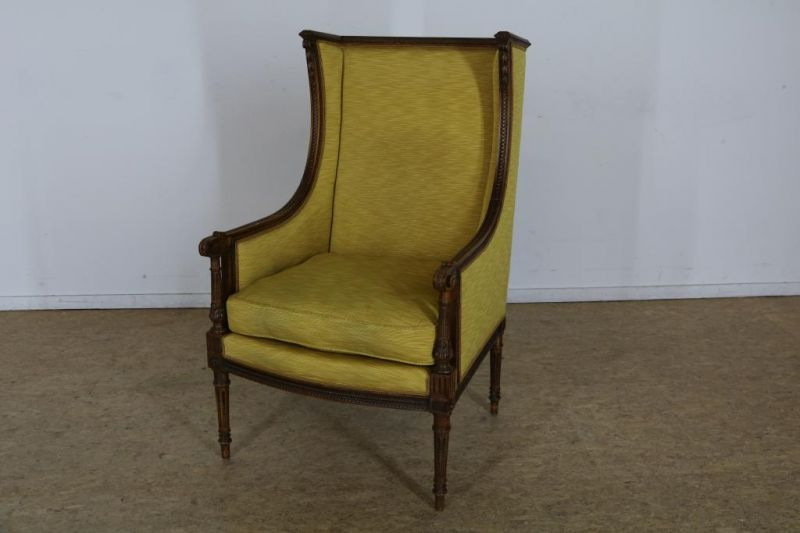 Los 56 - Eiken Louis XVI-stijl bergere met gele stoffering.