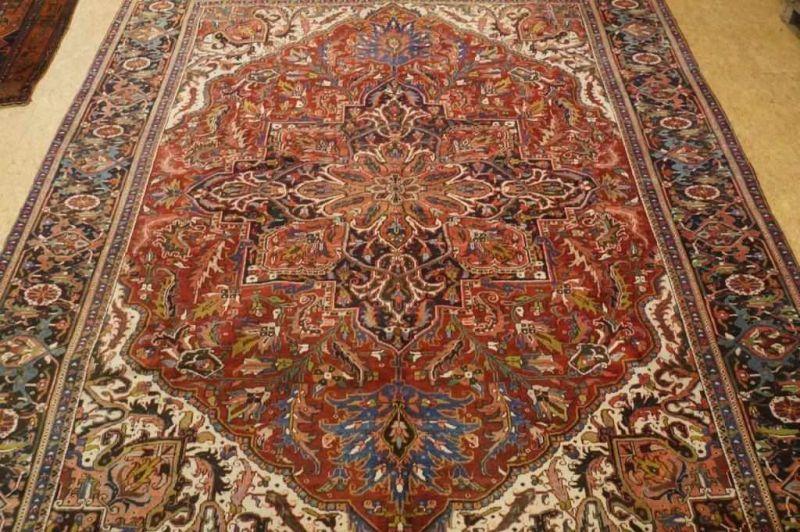Los 49 - Tapijt, Heriz, 390 x 280 cm. Carpet, Heriz, 390 x 280 cm.
