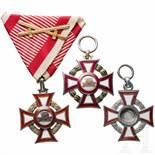Military Merit Cross - three awardsDie drei Kreuze jeweils 3. Klasse mit Kriegsdekoration. Ein Kreuz
