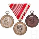 Medal of Bravery - three awardsDrei Tapferkeitsmedaillen (zwei in Silber der 2. Klasse, eine in