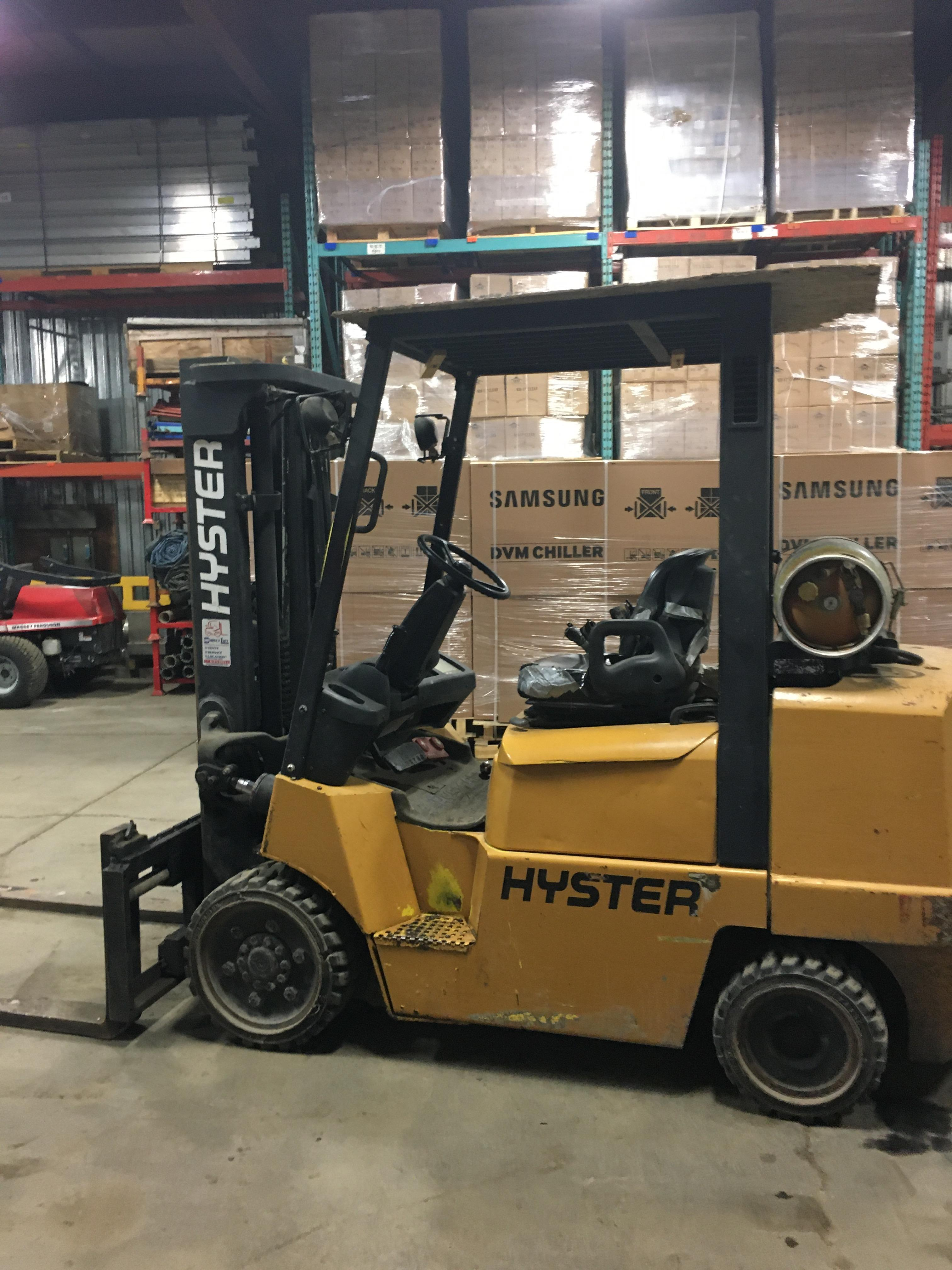 HYSTER PROPANE FORKLIFT, 8000 LBS CAP. (SIDESHIFT NOT FUNCTIONAL, NEEDS A REEL AND 2 HOSES) - Image 4 of 4
