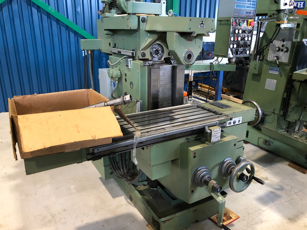 """TOS MILLING (HORZ) MOD. FGS25.32, 15"""" X 39"""" TABLE, S/N: 251300199 - Image 4 of 5"""