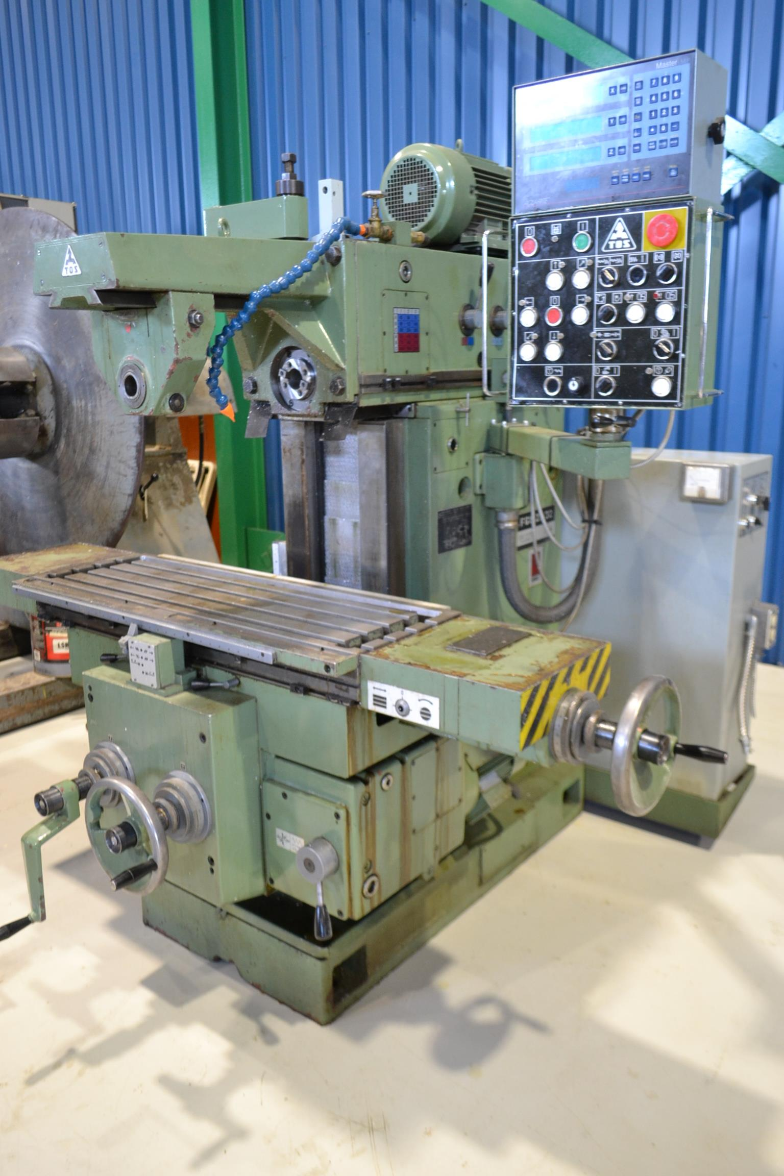 """TOS MILLING (HORZ) MOD. FGS25.32, 15"""" X 39"""" TABLE, S/N: 251300199"""